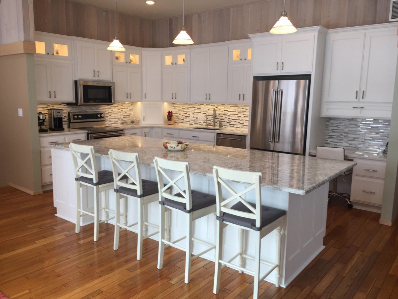 bright white kitchen cabinets cabinets in bright white galleries amp projects the 12536
