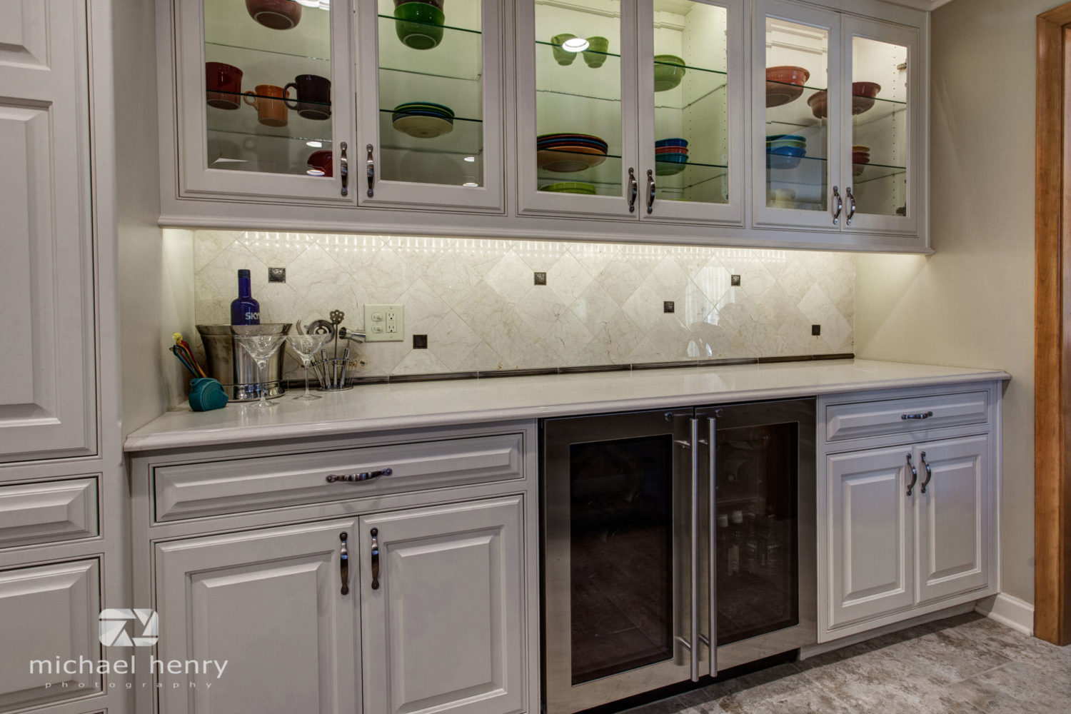 Traditional Antique White Kitchen Galleries Projects The Kitchen Place